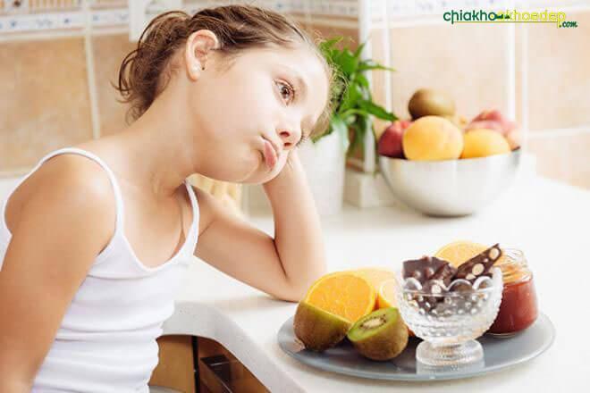 trẻ biếng ăn chậm tăng cân 1
